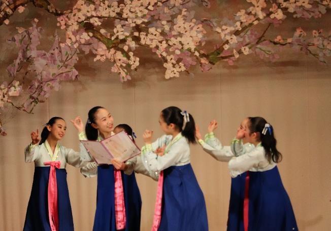 九州朝高学区 合同舞踊発表会のイメージ